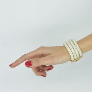 pulsera blanca con cordones alpaca