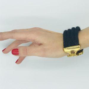 pulsera negra con cordones alpaca